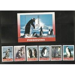 O) 2001 CAMBODIA, PENGUINS, HABITAT, SET, SOUVENR MNH.