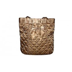 Beautiful handbag with texture diamond.