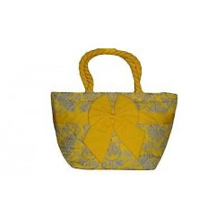 Cute yellow handbag. (12.99 x 7.87 in )