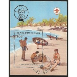B)1982 NIGER, BEACH, PEOPLE, BOYS SCOUT, BEACH SCENE, 75TH ANNIV OF SCOUTING