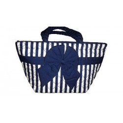 Beautiful handbag with bow detail. 12.99 x 7.87 in