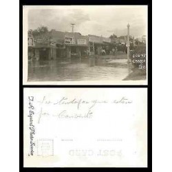 B)1948 USA, TOWN, PEOPLE, SHOPS, FLOOD, VINTAGE, LAREDO TEXAS, POSTCARD