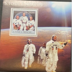L) 2003 SAN TOME AND PRINCIPE, ASTRONAUT, SPACE, MOON, MNH