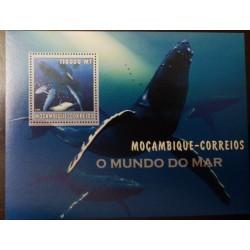 A) 2002, MOZAMBIQUE, WHALE, MNH, MARINE ANIMALS