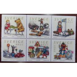 L) 2000 SWEDEN, TOYS, BEAR, TRAFFIC SIGNS, TRAIN, CAR, JUMP ROPE, BLOCK OF 6, MNH